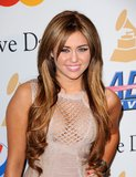 lp3005-miley-cyrus-the-53rd-annual-grammy-awards-02-12-02.jpg