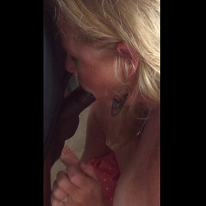 Cougar with Blond hair and shaved pussy bareback
