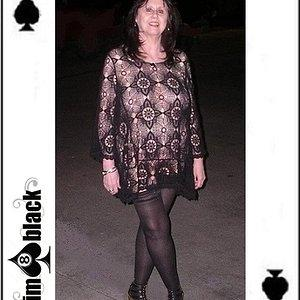 Queen of Spades on the prowl for her King