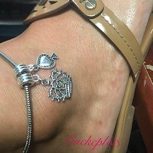Qos anklet