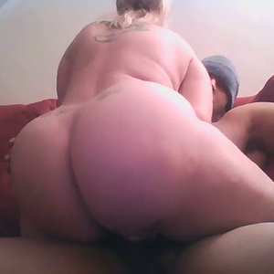 Amateur girl with big ass rides black dick