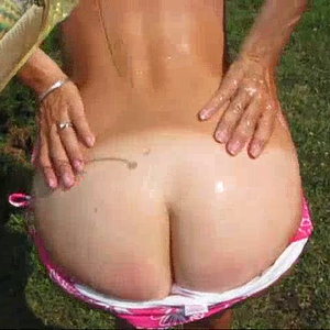 Hot day+oil = oiled ass