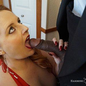 Sucking Shaundam's nice black cock