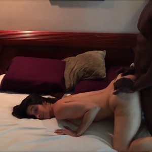 Bull Making Hotwife Beg and Cummimg