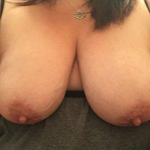 Titties for cumshots